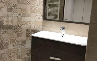 Mueble de baño dos cajones textura madera