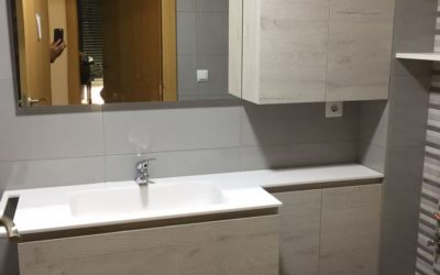 Baño con mampara corredera
