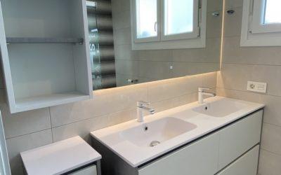 Mueble de baño con espejo led