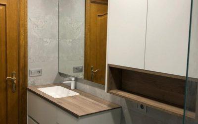 Mueble de baño en lacado blanco