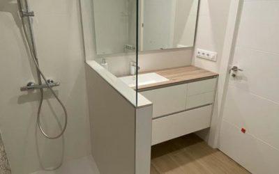 Mueble de baño y mampara